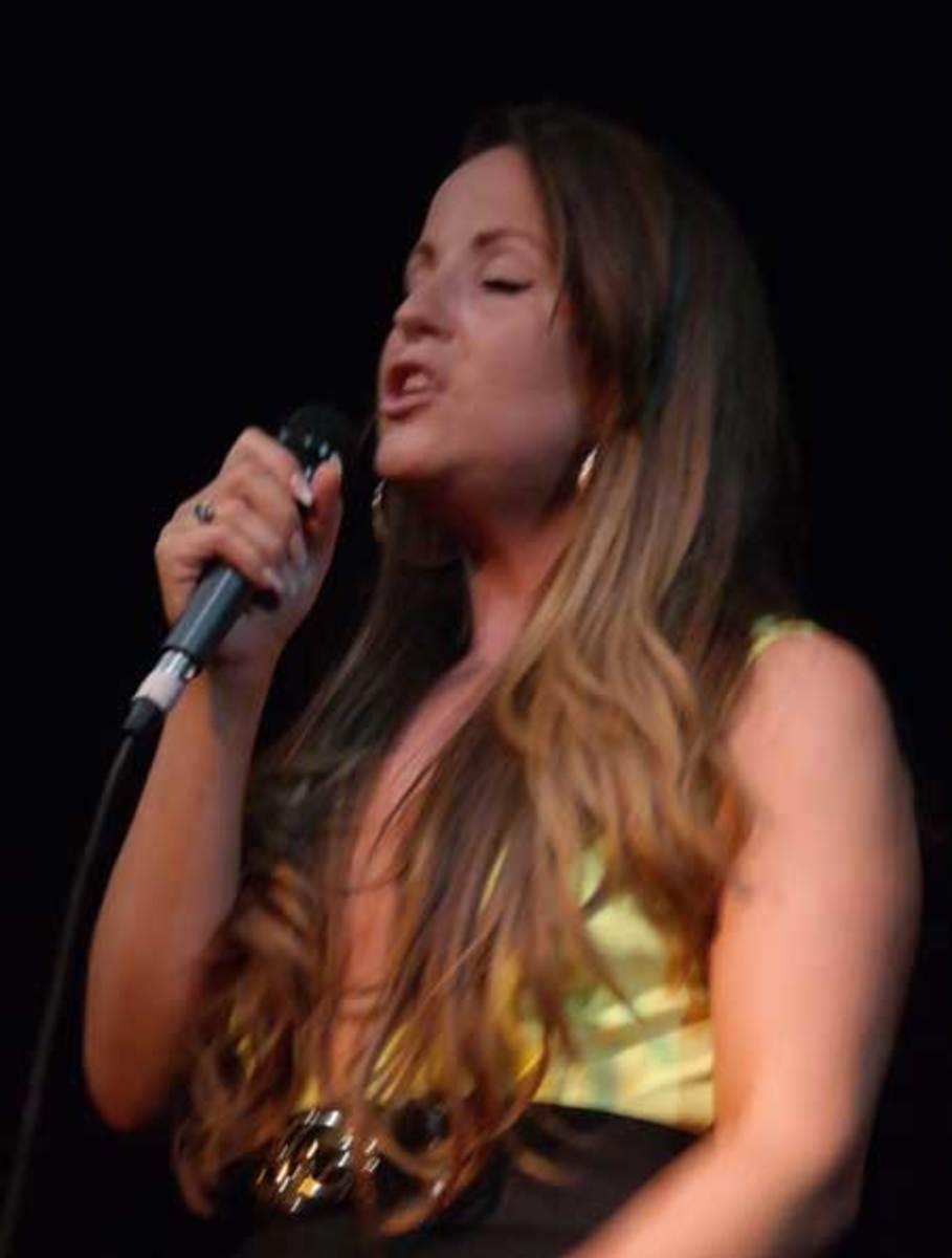 singer-450